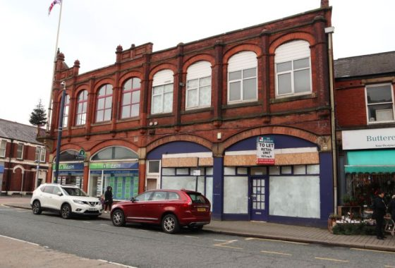 External image on Manchester Road, Denton shop to rent